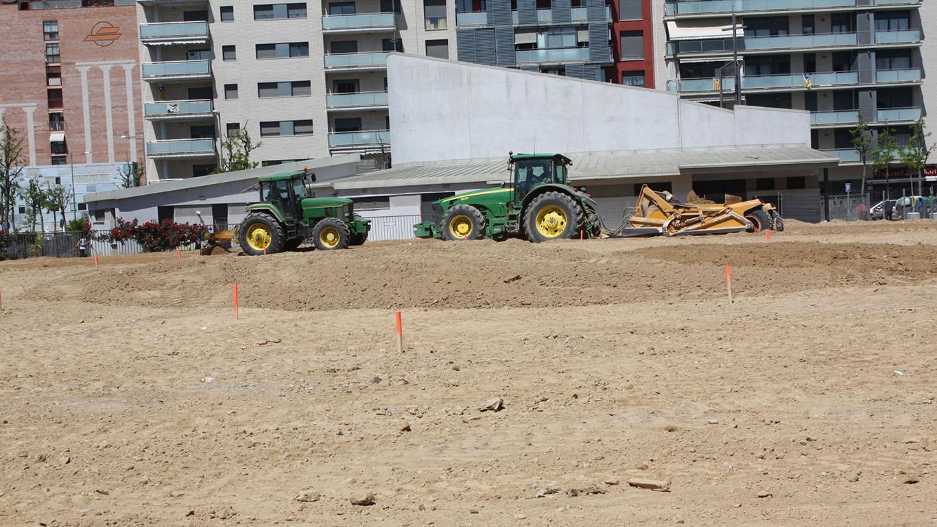 Ball 2 tractors